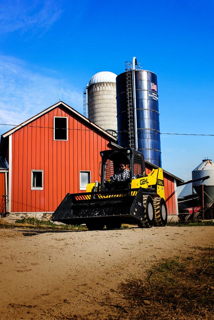 gehl_2019_r260-lifestyle-barn_silos